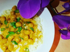 Sweet & Spicy Curry Chickpea